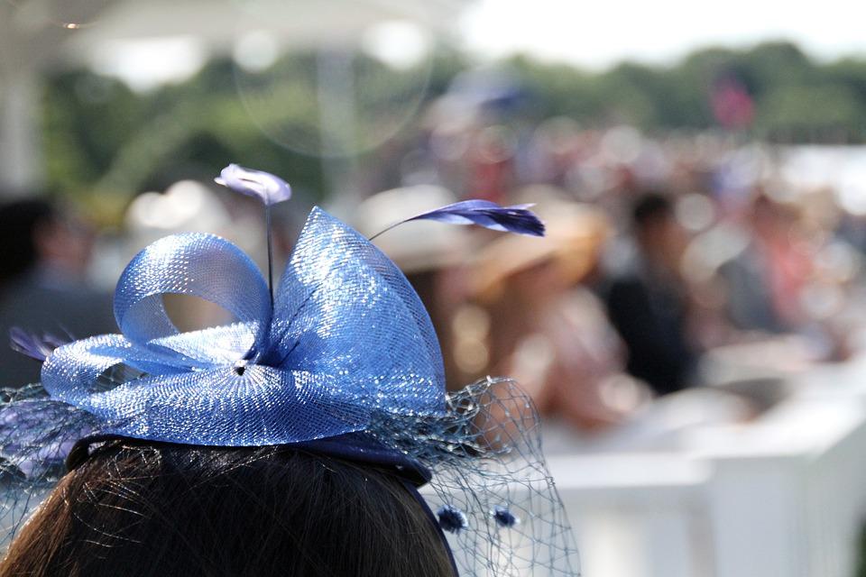 Fascinator wedding hats