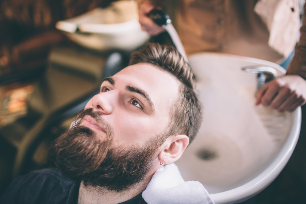 HAIRSTYLES WITH FULL BEARD