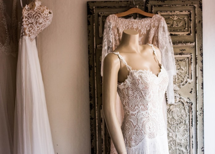 3. Try Virtual Assistance To See How The Wedding Gown Looks On You